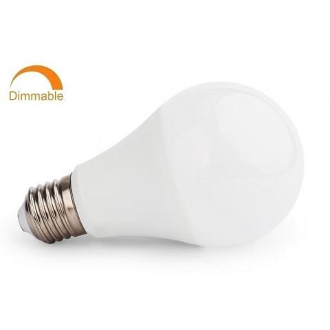 Stmievateľná LED žiarovka 8W studená biela E27